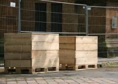 Die beiden ersten Pflanzkaesten, noch unausgebaut