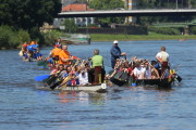 Die vier Drachenboote des zweiten Medien-Cup Rennens