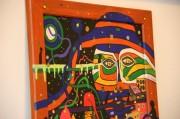 Zeitgenössische Kunst im Gastraum des Cafes