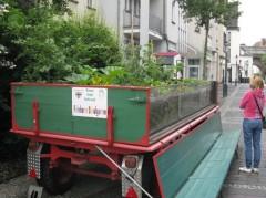Eine Gemüseanhänger in der ersten  Essbaren Stadt Deutschlands