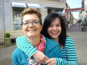 Alles gut geklappt, Bettina  und Andrea strahlen.
